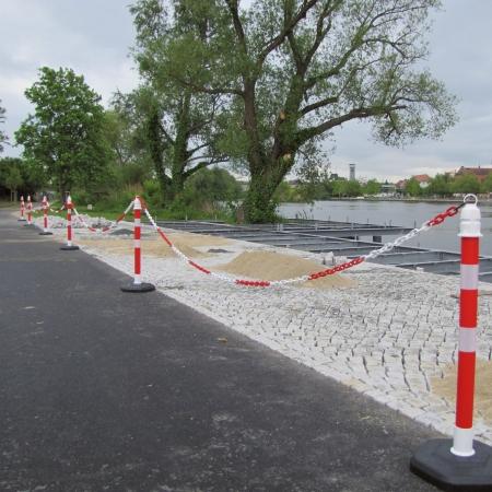 Barrier Column