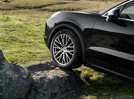 AEZ Panama Porsche Cayenne_Imagepic06