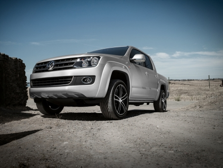 DEZENT TH dark_VW Amarok_Imagepic02