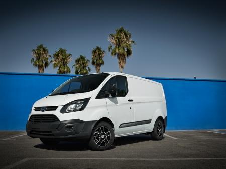 DEZENT Van dark Ford Transit Custom_03