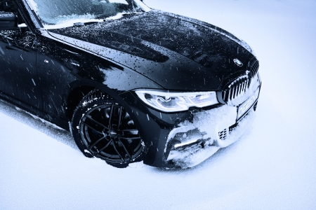DEZENT TR black BMW3_winterpic03