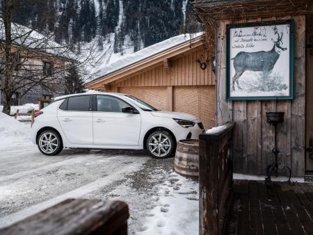 DEZENT TN silver Opel Corsa_winterpic04